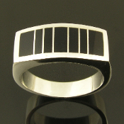 Black onyx man's ring in sterling silver